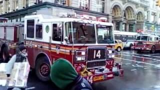 Fire NYC 01 6th av and 20th street a Radio shack new york city