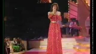 Loretta Lynn- Medley of hits 1985
