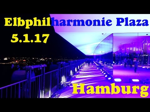 Elbphilharmonie Plaza Hamburg bei Nacht at night 5.1.17 Illumination Blau Blue Light Elphi Elbe