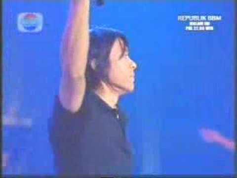 Peterpan - Jauh Mimpiku (Live)
