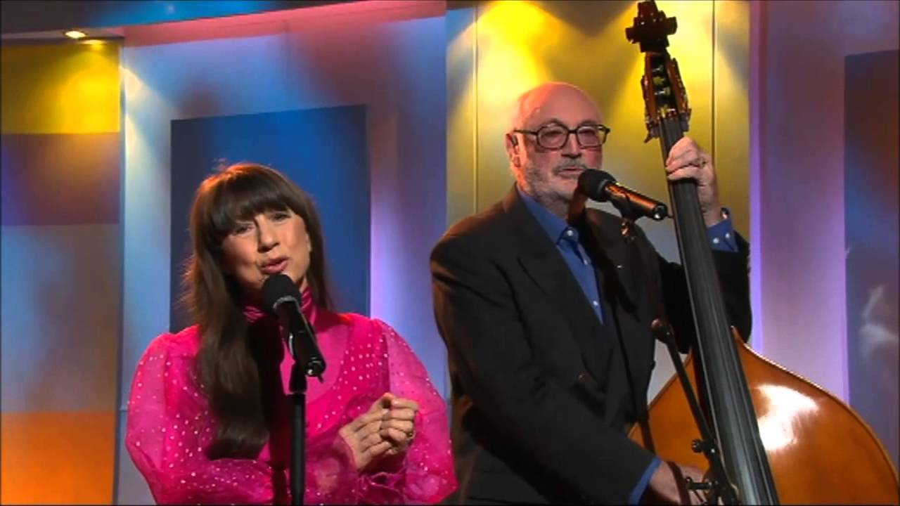 The Seekers - 5 songs live and 'unplugged' on GMA 2003/4