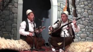 xhevdet krasniqi e lutfi istogu vajtimi i avdis ne skenderaj nata finale e festivalit