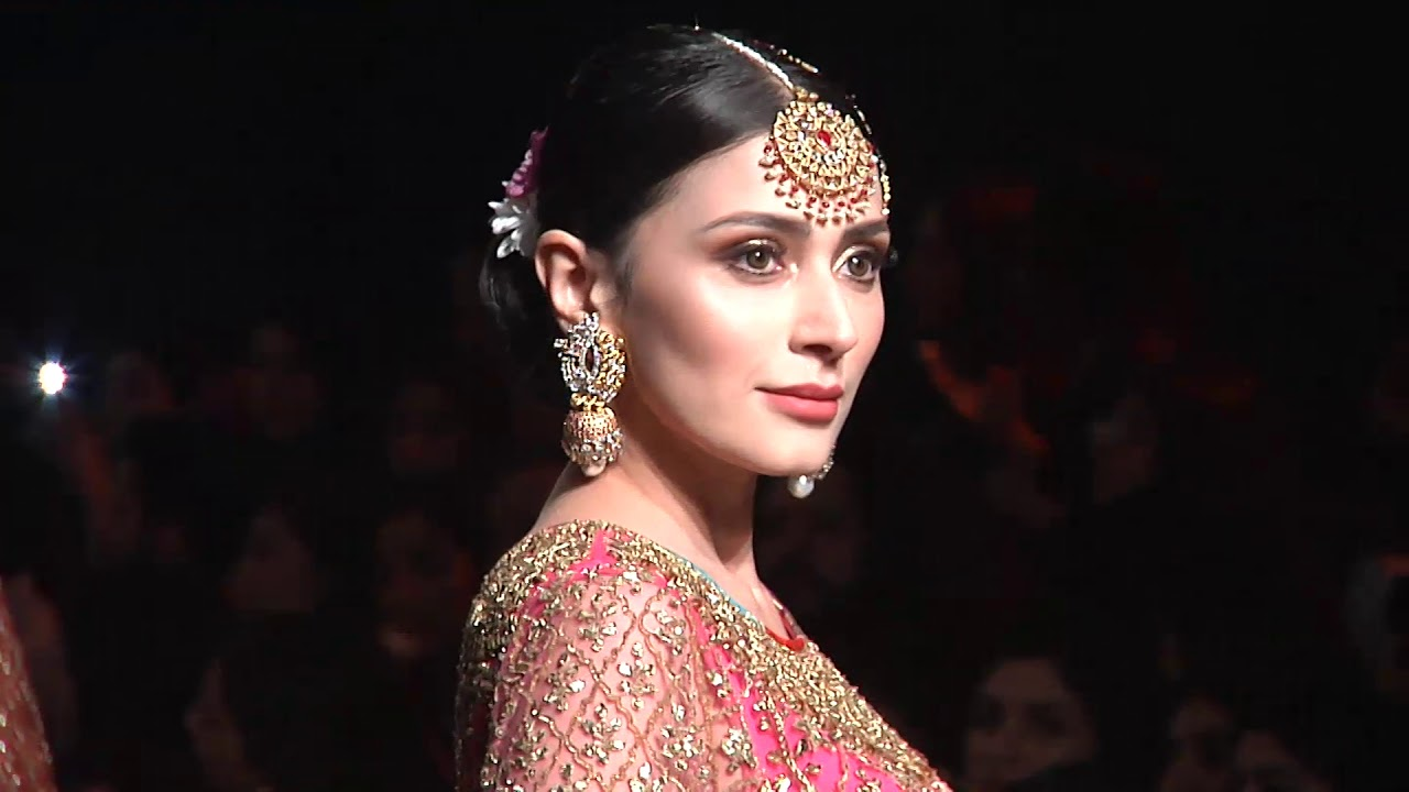 8534e9ed PFDC L'Oréal Paris Bridal Week 2018 | Nomi Ansari collection - YouTube
