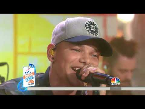 Country Up And Comer Kane Brown Performs 'Hometown' Live