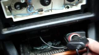 Ремонт переключателя скорости печки. Как разобрать центральную панель Ауди 80.(, 2014-11-29T07:27:35.000Z)