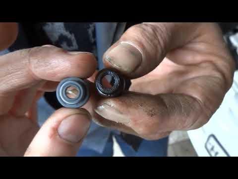 Замена маслосъёмных колпачков на Mazda Demio
