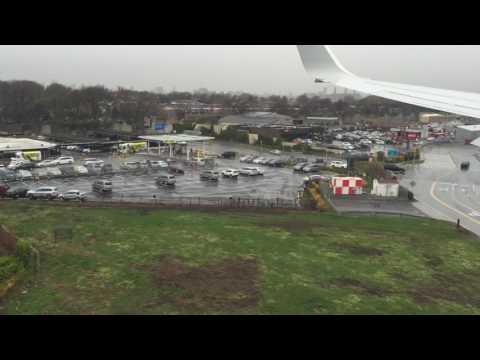 Landing at LaGuardia Airport (LGA) with American Airlines