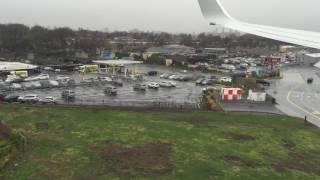 landing at laguardia airport lga with american airlines