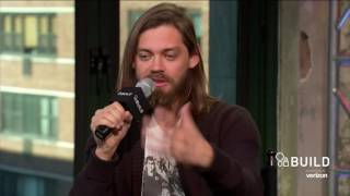 "Tom Payne Talks About Fan Theories For ""The Walking Dead"" 