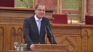 Video Hungarian government moves against resurgent anti-Semitism download MP3, 3GP, MP4, WEBM, AVI, FLV Juli 2018