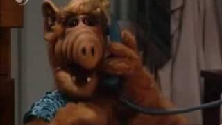 Mejores momentos de Alf pt 1 - Extraños en la Noche