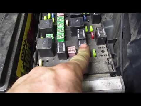 fuse box relay location chrysler town and country 2001 2002 2003 2003 2005  2006 2007 - youtube  youtube