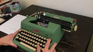 ~1956 Royal Quiet De Luxe Typewriter Green