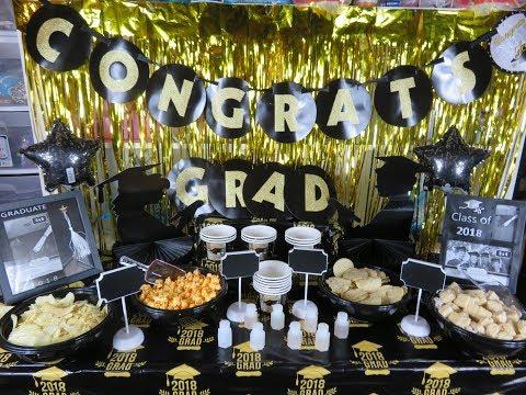 Mesa decorada para graduación ( super económica )