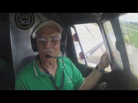 Gold Seal DC-3: Low Passes at Oshkosh 2017