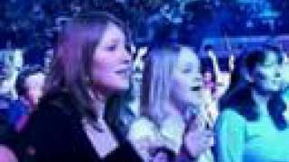 ATOMIC KITTEN - Whole Again_Live at Wembley (2004)