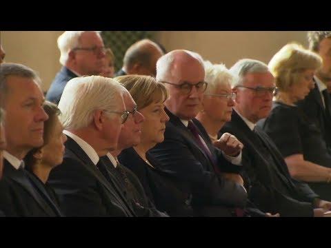 Berlin: Totenmesse für Helmut Kohl