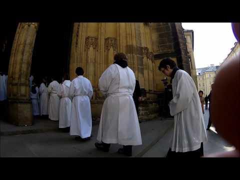 Začátek pohřbu kardinála Miloslava Vlka - sobota 25.března 2017