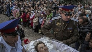 Ukraine Crisis 2014: Slovyansk Mourns 3 Killed at Checkpoint | The New York Times
