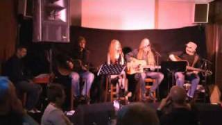 Mr Know it all Kelly Clarkson video response (cover response).flv