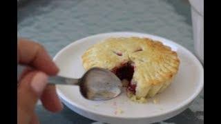 Homemade Cherry Pie - Magda