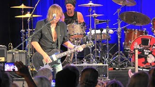 Pat Travers Band - Boom Boom (Out Go The Lights)