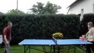 Patou et KeK au ping pong