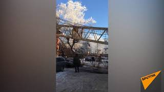 В Кирове башенный кран упал на дом 19 января 2018 года