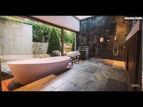 Exklusive Spa Styled Bad Design mit einem großen freistehenden Badewanne