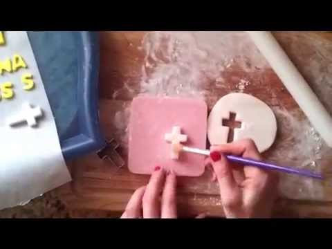 How to make a cross with fondant