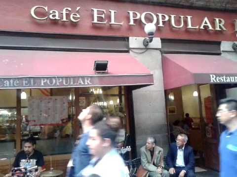 """LAS HOJAS MUERTAS. En cafe """"El popular""""."""