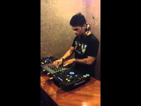 DJ Dhino Herdhy (Siti Badriah-Brondong tua) breakbeat remix @dhinoherdhy Mp3