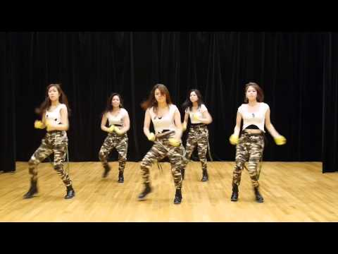 SNSD (소녀시대) - Catch Me If You Can...