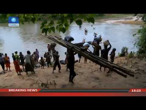 Ovukwa Residents Wade Through Water To Their Farms |News Across Nigeria|