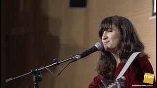 Actuación y firma de Joana Serrat en Fnac Triangle