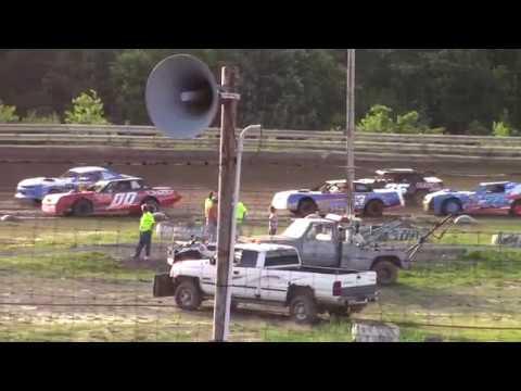 Hummingbird Speedway (6-8-19): Sunny 106.5 FM Pure Stock Heat Race #2