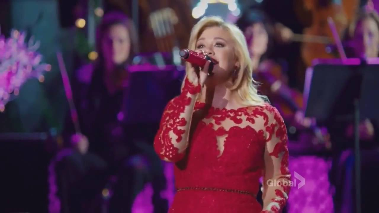 Kelly Clarkson - My Favorite Things (Cautionary Christmas Music Tale ...
