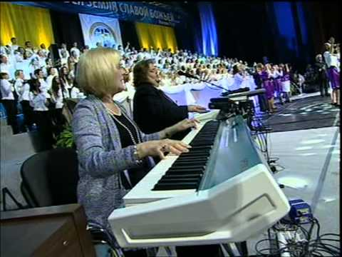 Pastor Benny Hinn (1) Worshiping  God -  Kiev - Ukraine
