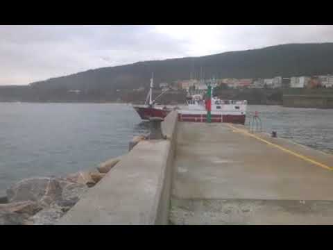 La flota vuelve a la faena en Burela tras el parón navideño