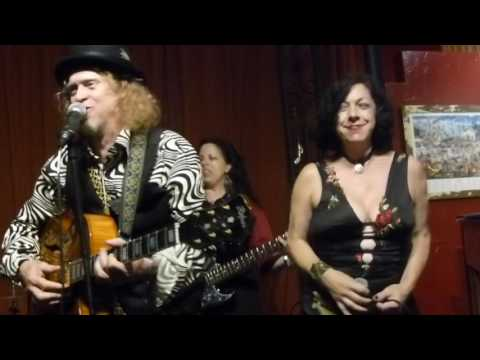 Squirrel Nut Zippers at Buffa's 2016-06-28 PUT THE LID ON IT