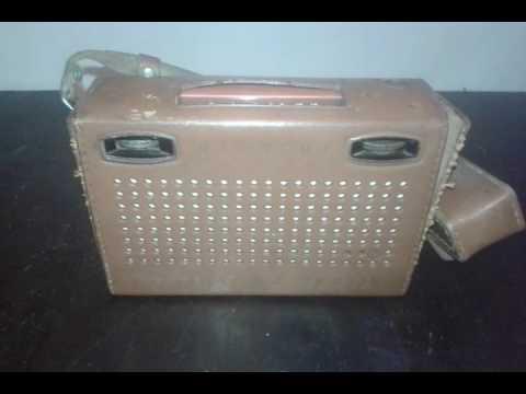 antigua radio hitachi pocket