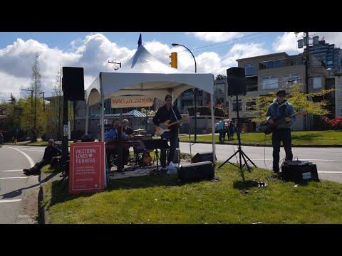 "Vancouver EVENT: 2018 VANCOUVER SUN RUN 10K, Pt. 9 - Music Break at K7, ""Feels Like Rain"""