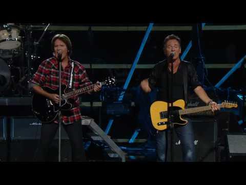 John Fogerty & Bruce Springsteen - Pretty Woman ( Live - 2009)
