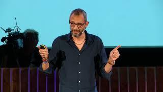 Immigrazione: loro si muovono, e noi?   Giampaolo Musumeci   TEDxVerona