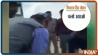 Bhopal: ex CM Shivraj Singh Chouhan help carry an injured person to hospital