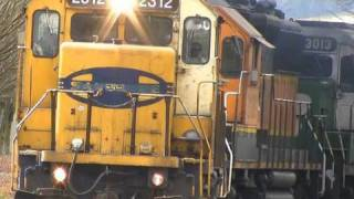 (HD) Very Rare 6 Engine Freight Train Salem, Oregon