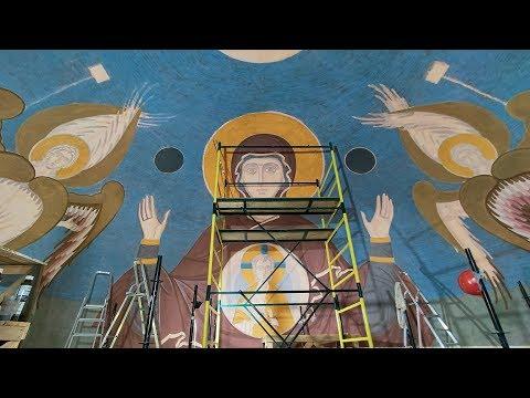 Художники приступили к росписи храма Александра Невского в Волгограде