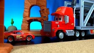 Disney Pixar Cars Toys meet Planes Movie 6 | The Smokejumpers | Lightning McQueen Crashes(Disney cars Lightning McQueen gets down from Mack LIFT & LAUNCH Transporter to tell Mack that he is going to drive to Radiator Springs by himself., 2016-04-14T04:26:37.000Z)