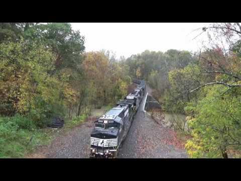 N22 glides through Waynesburg PA in the rain