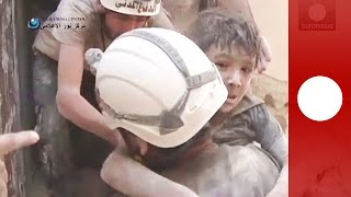 Dramatic video: Boy rescued from rubble in Syria